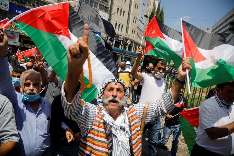 Mixed reactions towards UAE-Israel diplomatic deal